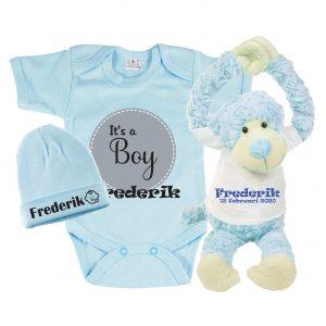 Gift set baby met bedrukte romper, babymuts met naam, knuffel met naam